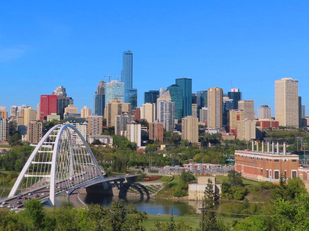 https://www.getmosaic.ca/wp-content/uploads/2021/06/Edmonton-Skyline-1280x960.jpg